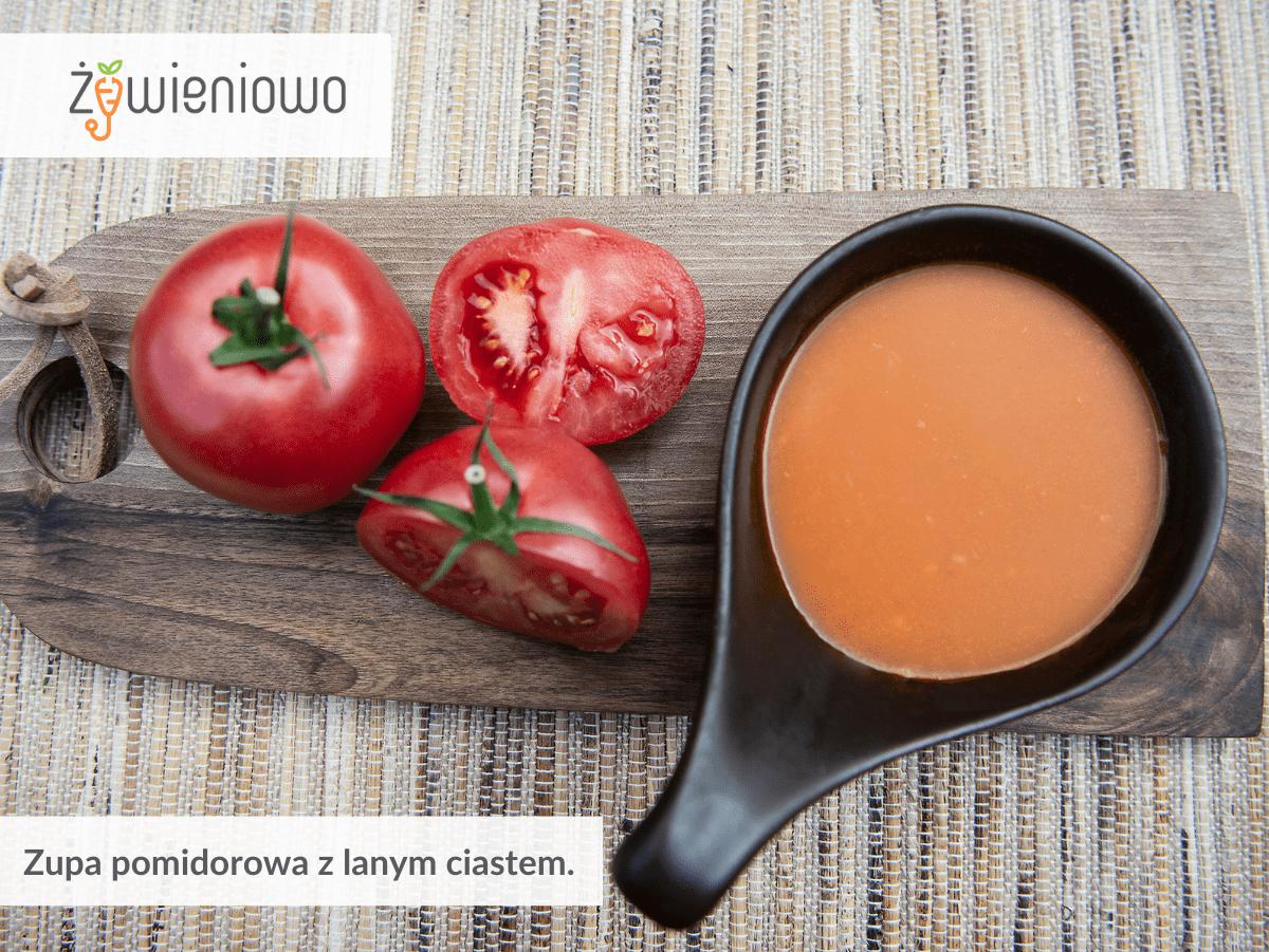 Zupa pomidorowa zlanym ciastem.