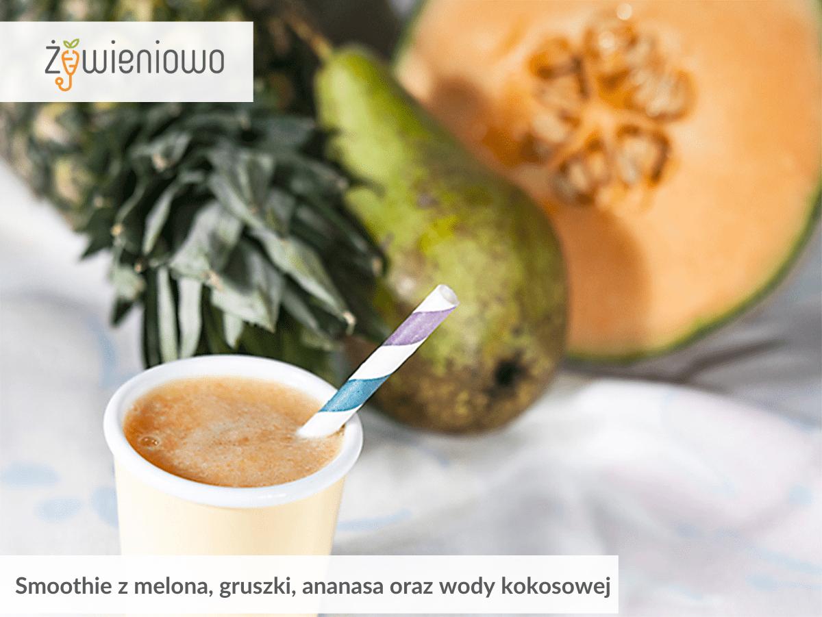 Smoothie zmelona, gruszki, ananasa orazwody kokosowej.