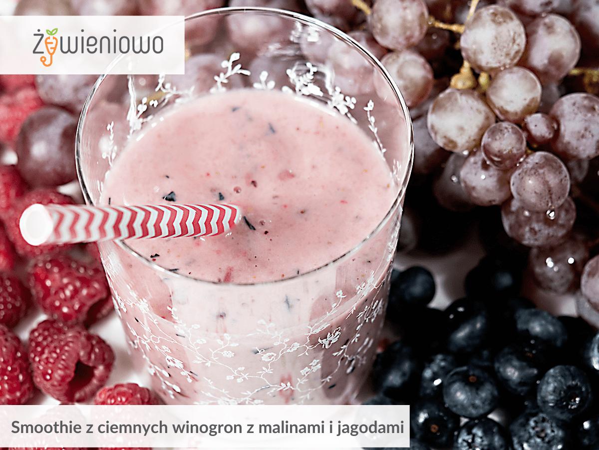 Smoothie zciemnych winogron zmalinami ijagodami